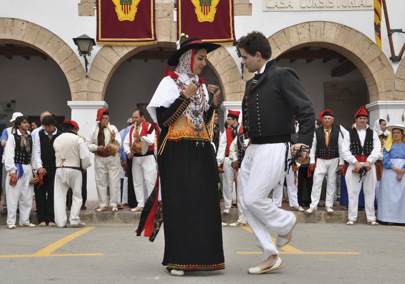 Localizaciones ibiza - tradiciones - baile payés santa eulália